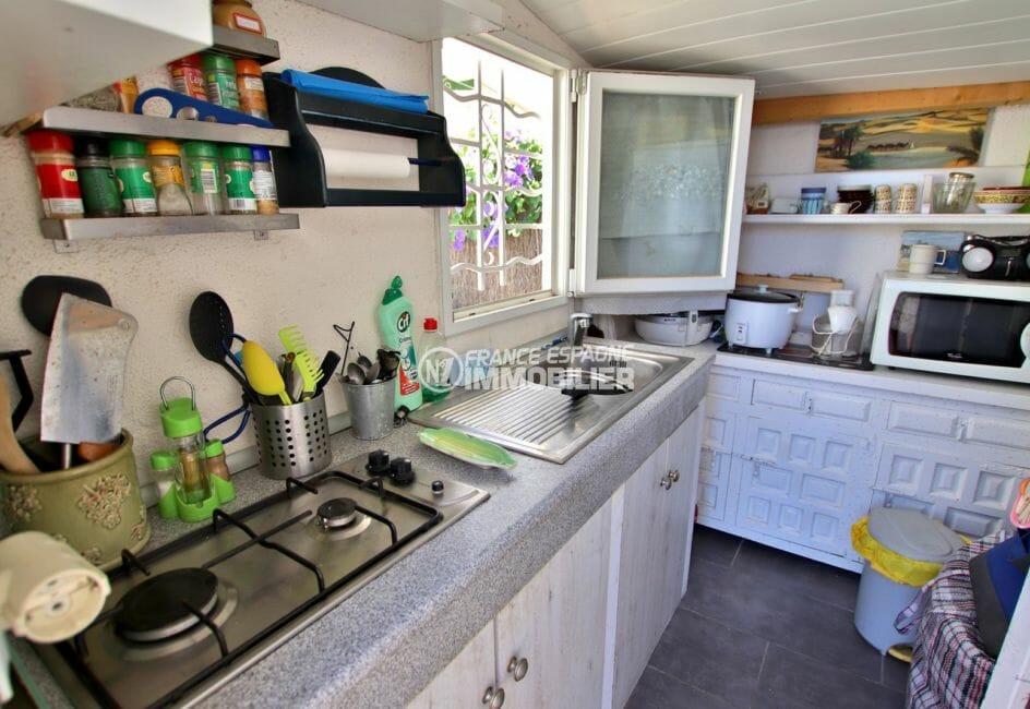 vente immobilière costa brava: villa 81 m², cuisine équipée et des rangements