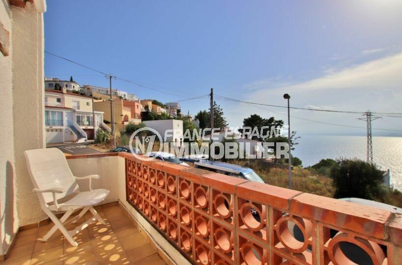maison a vendre rosas, villa rénovée vue mer, parking privé et piscine, proche plage