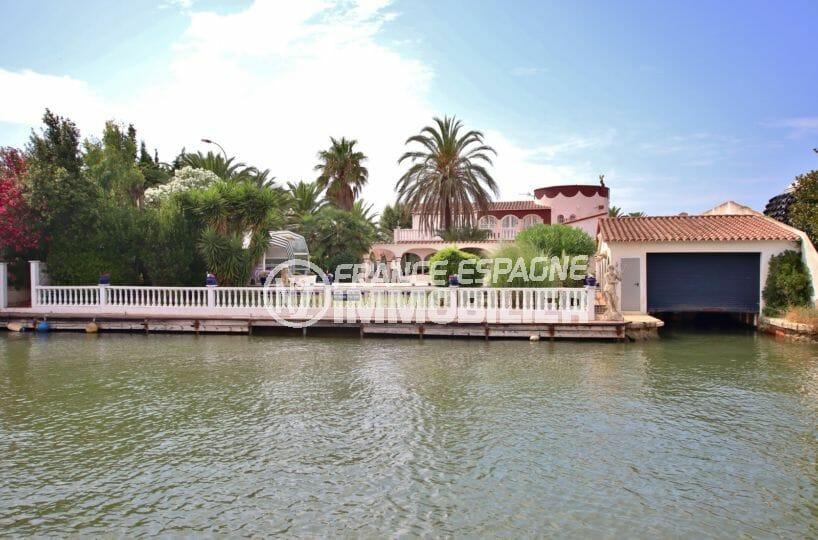 maison a vendre empuria brava, villa avec amarre grand canal, appartement indépendant