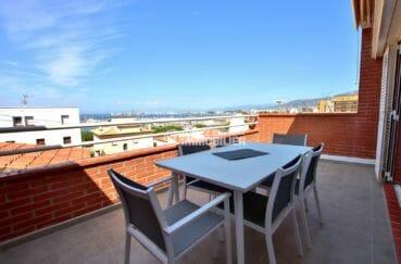 vente appartement rosas, jolie vue mer / mer, proches toutes commodités, plage 400 m