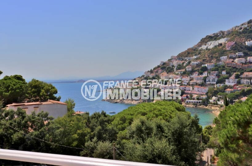 immo roses: villa ref.3980, vue mer, proche plage, divisable en 2 appartements indépendants
