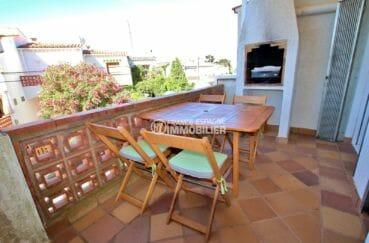 maison a vendre a rosas, terrasse avec barbecue, vue dégagée coin détente aménagé