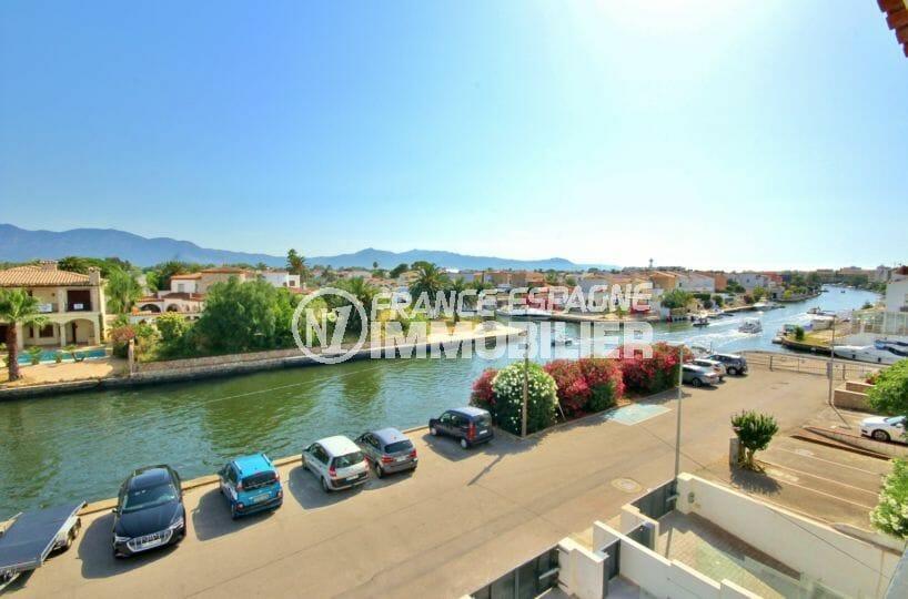 agences immobilières empuriabrava: appartement vue sur le canal, proche plage et commerces