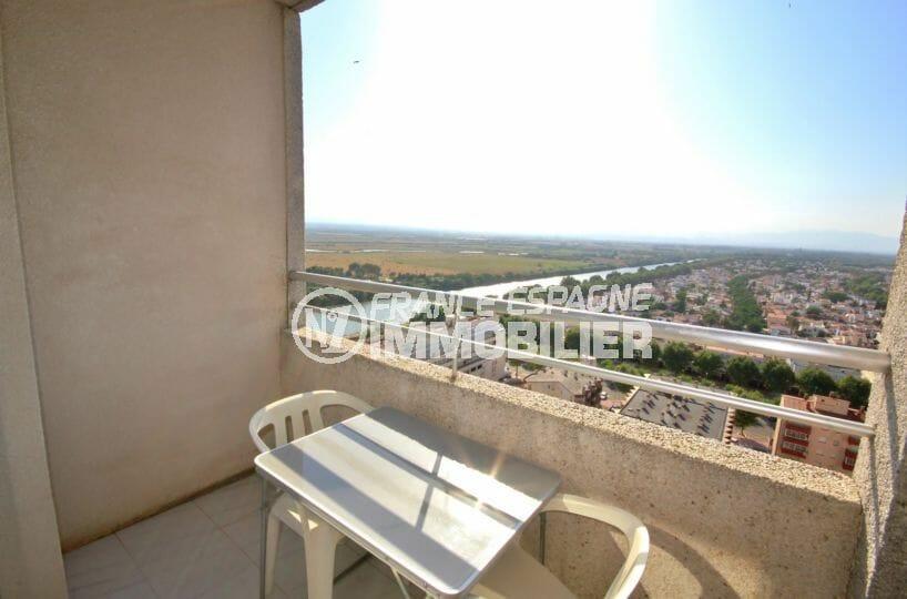 appartement a vendre empuriabrava: studio avec terrasse vue dégagée, plage et commerces à 100 m