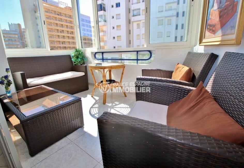 immo roses: appartement 53 m², terrasse véranda coin détente aménagé