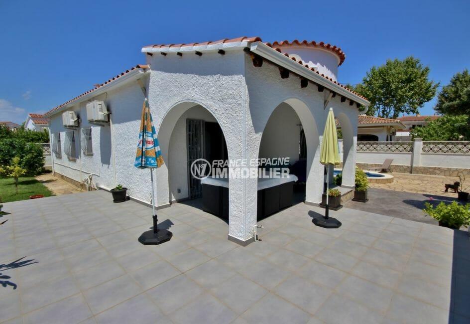 vente villa empuriabrava, secteur prisé, terrain de 427 m² avec piscine