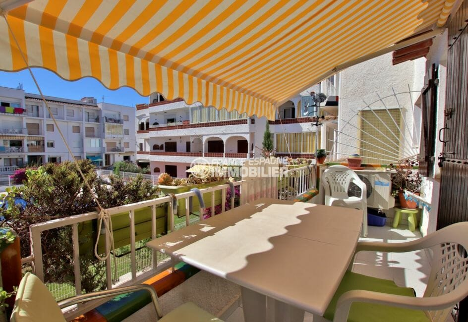 acheter appartement empuriabrava: 47 m², terrasse avec coin détente vue piscine