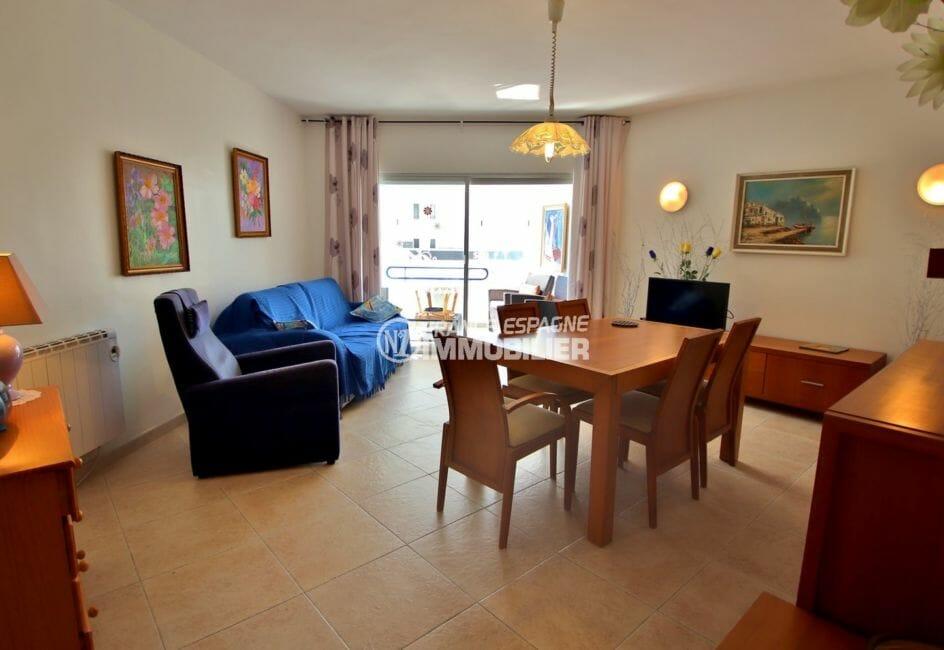 appartement a vendre rosas, petite vue mer, parking privé, plage et commerces à 100 m