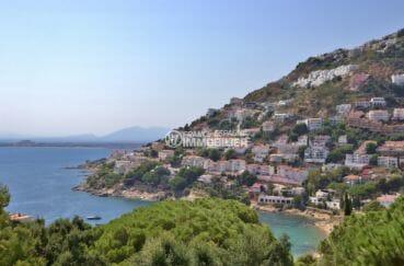 roses espagne: villa utilisable en 2 appartements indépendants à 300 m de la plage, vue mer