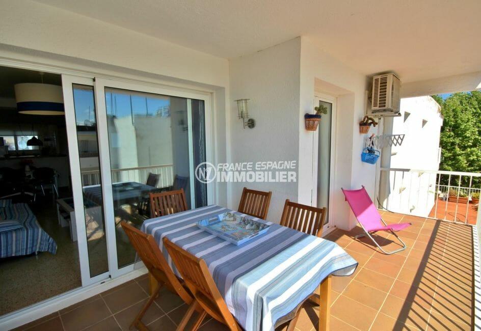 appartement costa brava: 72 m² à empuriabrava , terrasse de 12 m² avec vue dégagée accès salon