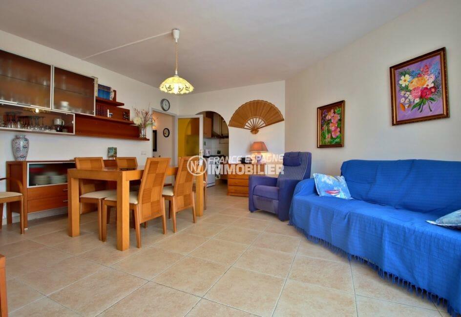 agence immobilière costa brava: appartement 53 m², salon / séjour avec coin cuisine