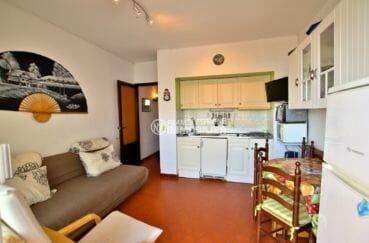 appartements a vendre a rosas, parking, salon / séjour avec cuisine ouverte