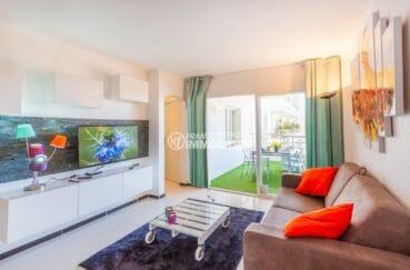 appartements a vendre a rosas, piscine, salon / séjour avec rangements accès terrasse