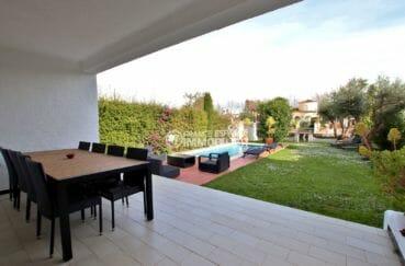 maison a vendre empuria brava, proche plage, terrasse couverte vue sur la piscine