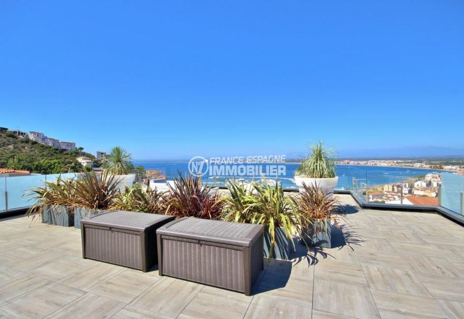 maison a vendre espagne rosas, belle terrasse avec vue sur la mer et les montagnes