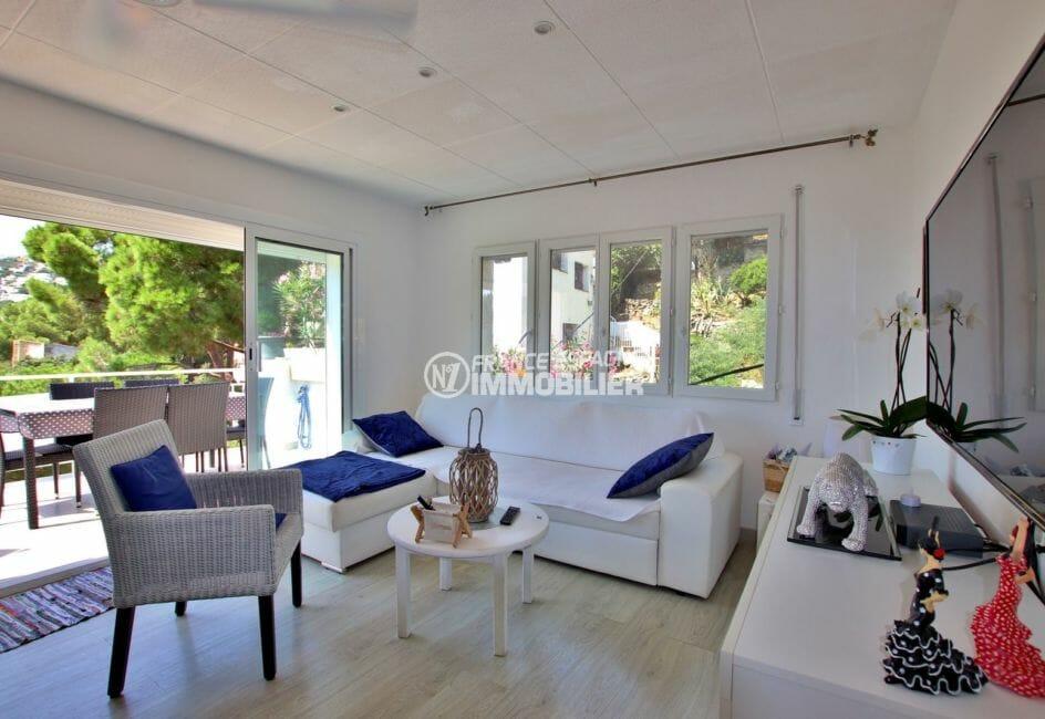 maison a vendre espagne, ref.3980, salon avec terrasse vue mer pour le grand appartement