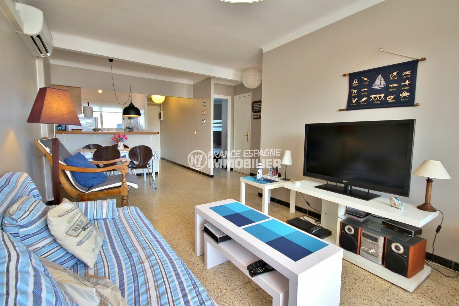 appartement a vendre empuriabrava, parking, salon / séjour avec cuisine ouvertre