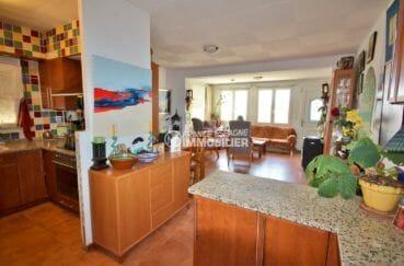vente maison rosas espagne, 84 m² construit, cuisine ouverte sur le séjour