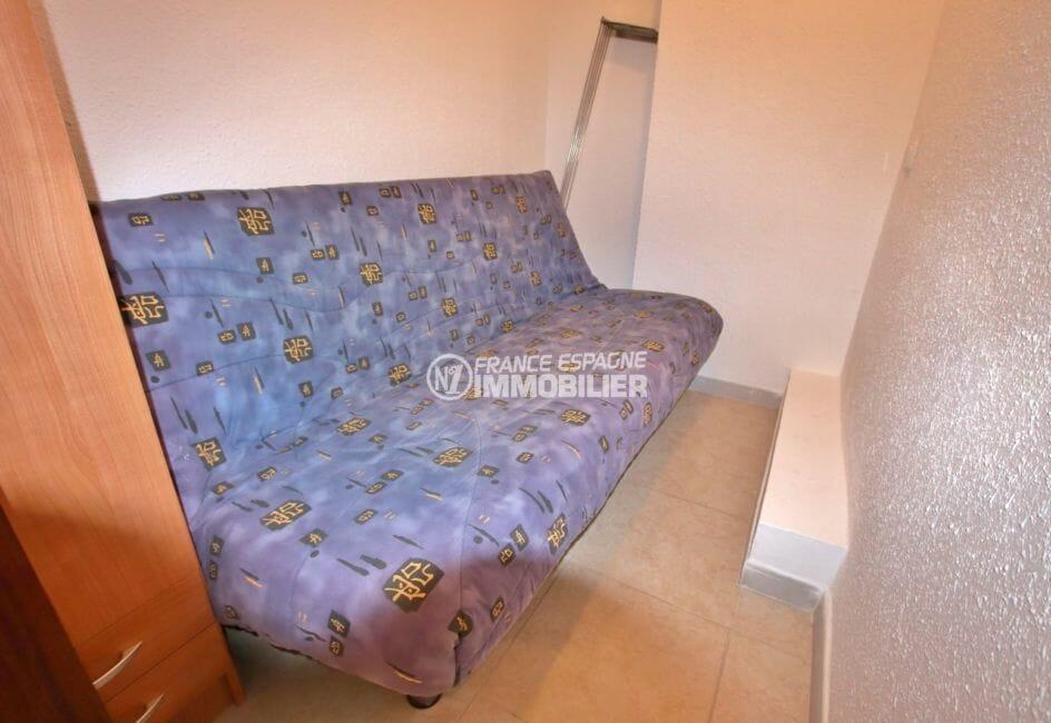 acheter appartement rosas, parking, deuxième chambre avec canapé convertible et rangements