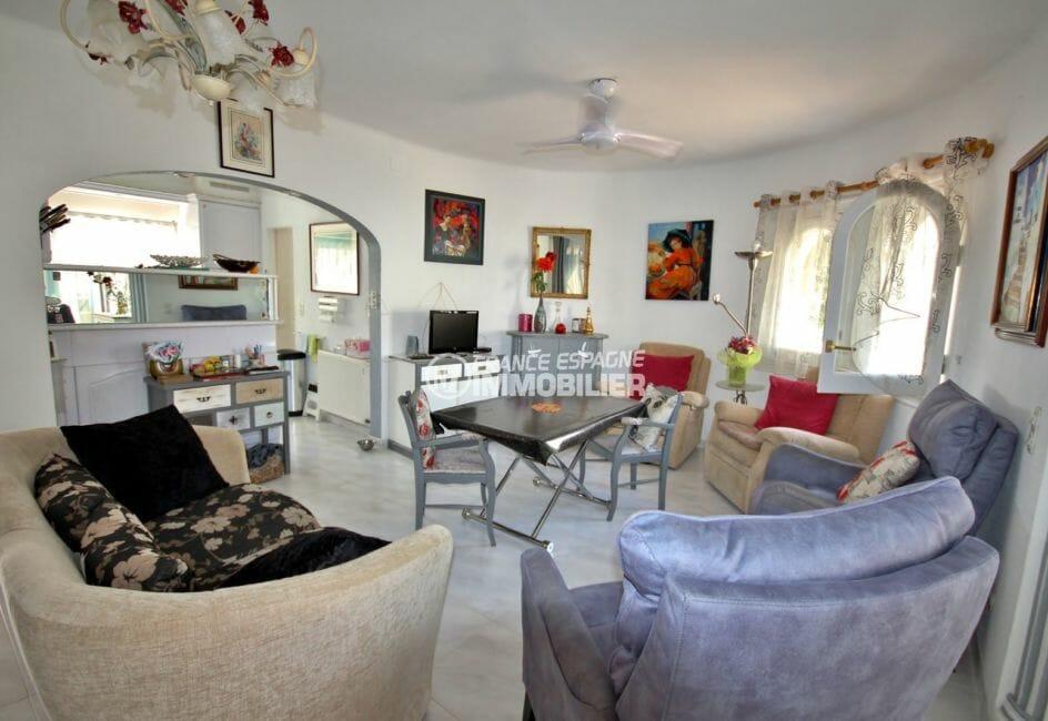 immo empuriabrava: villa 104 m², salon / séjour avec cuisine ouverte