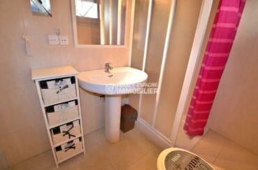 acheter appartement rosas, parking, salle d'eau avec cabine de douche, lavabo et wc