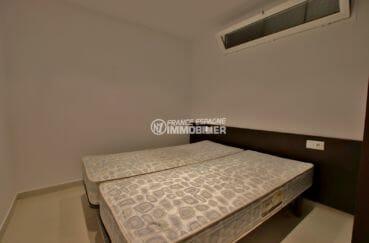 appartements a vendre a rosas, proche plage, deuxième chambre avec deux lits simples collés