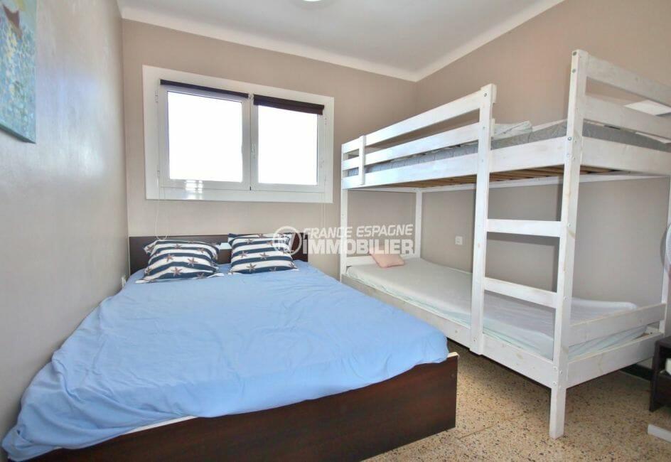 acheter appartement empuriabrava, proche plage, deuxième chambre lit double et lits superposés