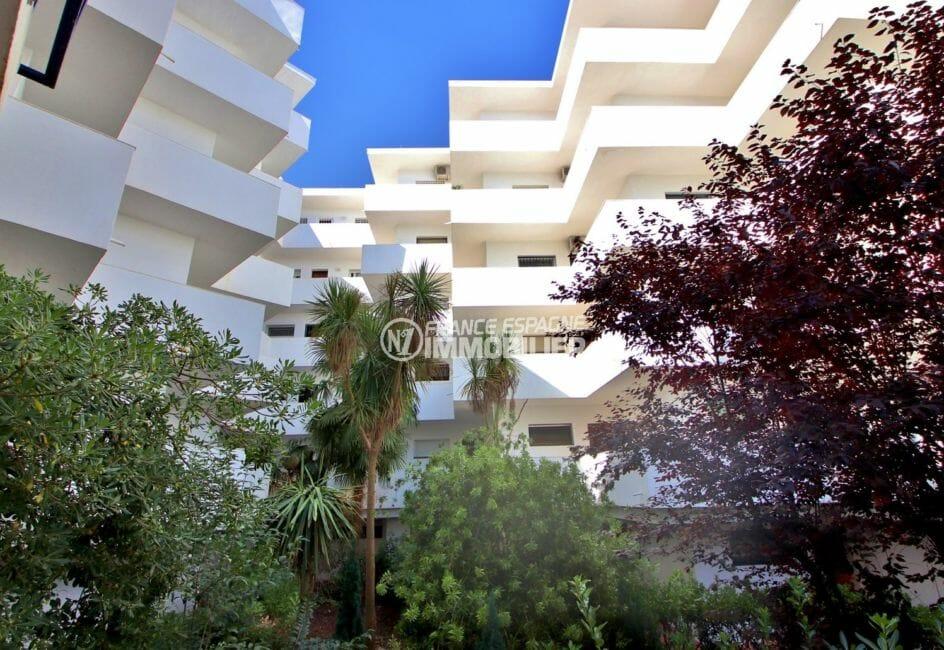 vente appartements rosas espagne, piscine, aperçu des extérieurs de la résidence