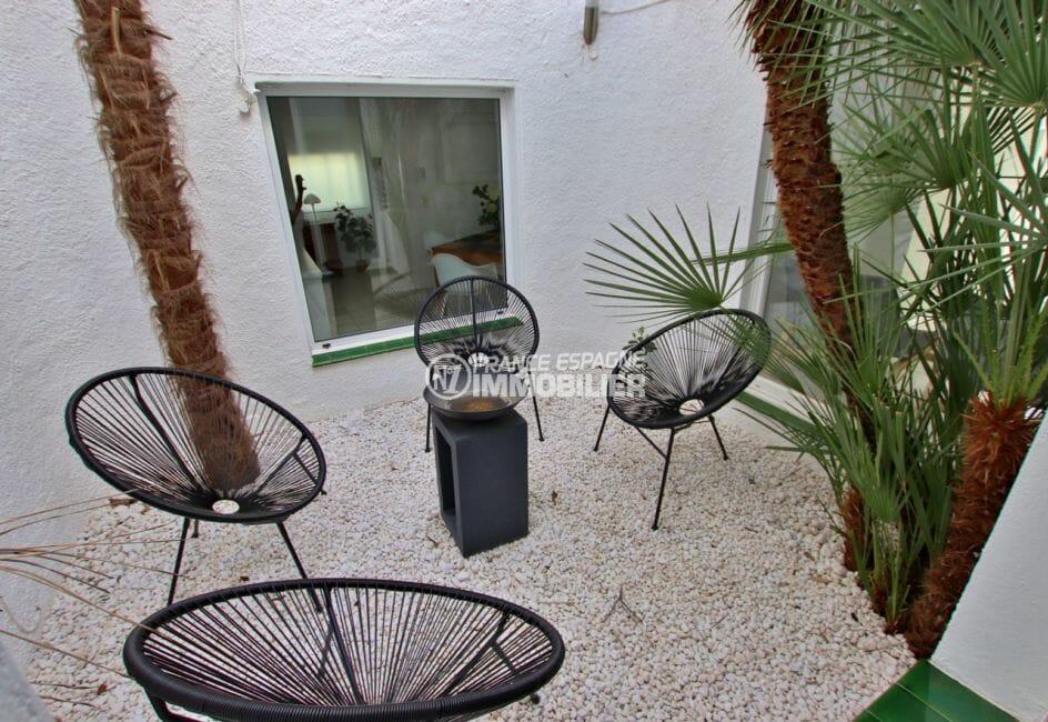 maison à vendre empuriabrava, proche plage, vue sur la terrasse coin détente aménagé