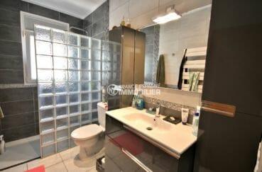 acheter maison empuriabrava, garage, salle d'eau avec douche, vasque et wc