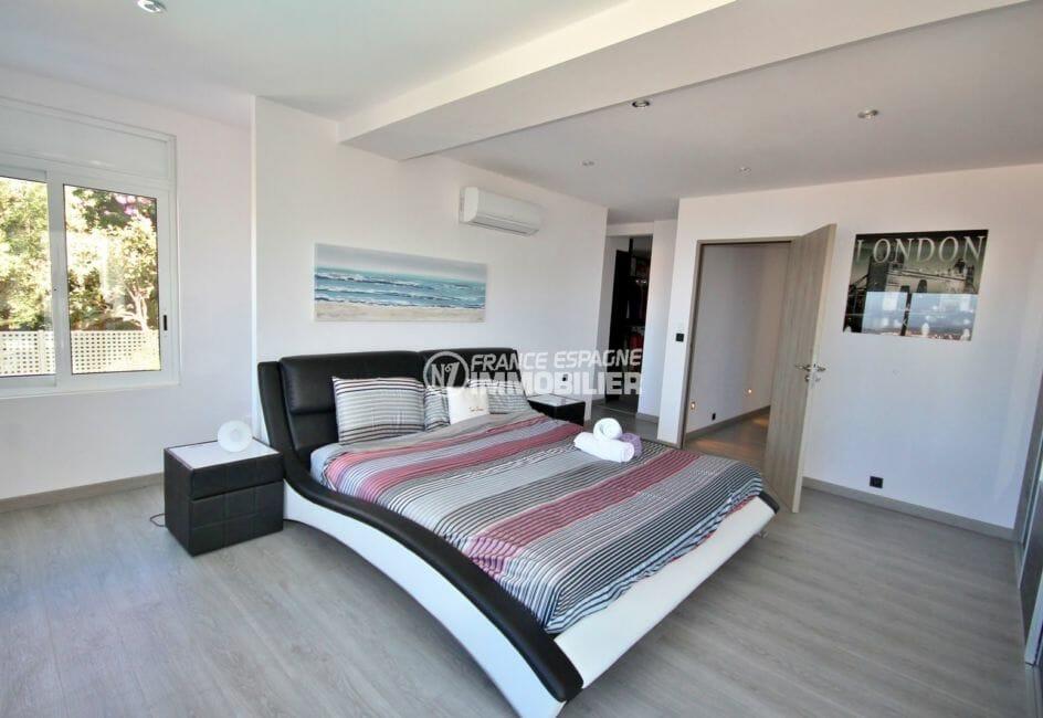 achat immobilier roses: villa 300 m², suite parentale avec dressing et salle e bains