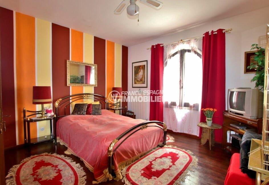 acheter maison costa brava, piscine, chambre 2 avec lit double et rangements