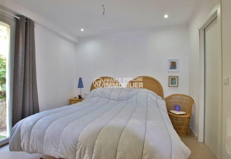 vente villa rosas, ref.3980, chambre lit double du petit appartement (en bas)