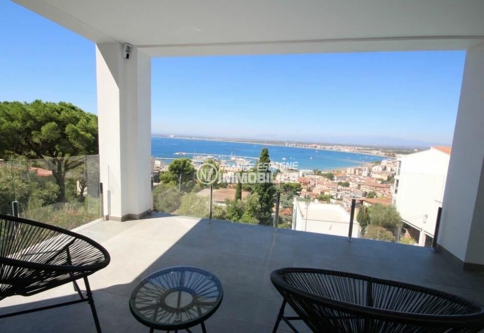 maison a vendre espagne bord de mer, piscine, terrasse de la deuxième chambre magnifique vue mer