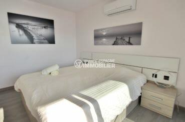 vente immobilier costa brava: villa 300 m², deuxième chambre lumineuse avec lit double