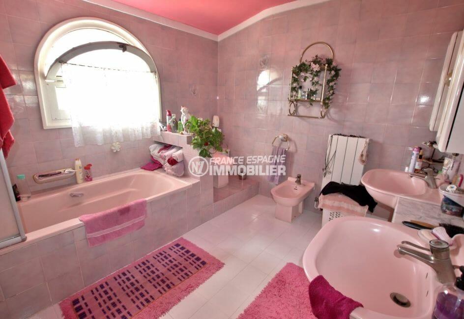 vente maison avec amarre empuriabrava, 544 m², deuxième salle de bains avec baignoire, double vaque
