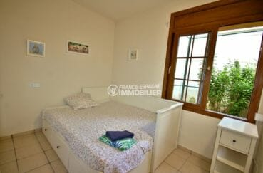vente maison costa brava,empuriabrava, chambre 5 lumineuse avec lit gigogne