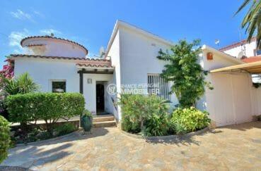 maison a vendre espagne bord de mer, 171 m², façade entretenue secteur résidentiel d'empuriabrava