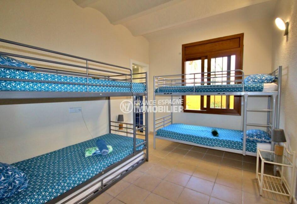 vente immobilier costa brava: villa 170 m², chambre 6 avec lits superposés 4 couchages