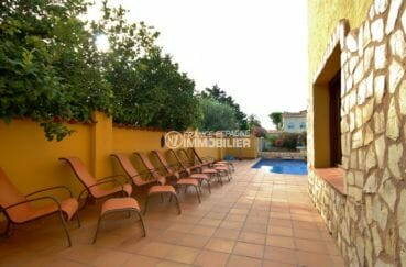 immo empuria: villa 170 m², terrain de 500 m² avec piscine accès amarre