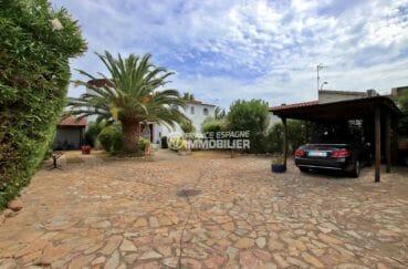 costa brava immobilier: villa 544 m², terrain de 1715 m² avec cour intérieure parking voitures