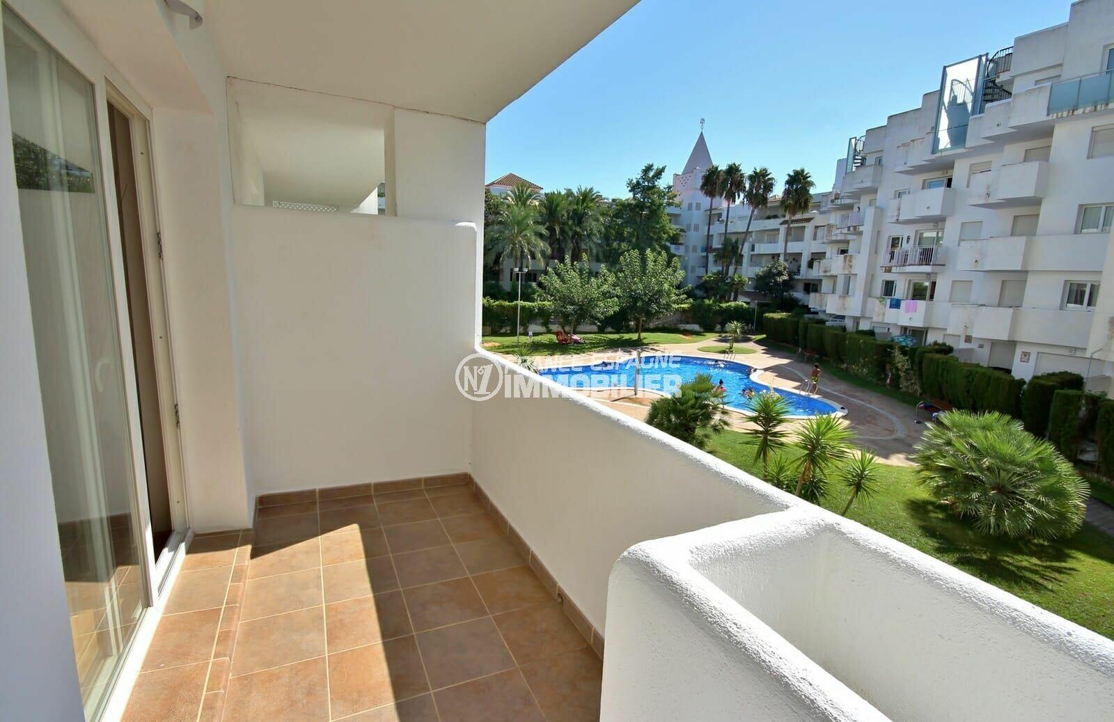 vente appartement rosas, résidence avec piscine, terrasse, proche de la plage