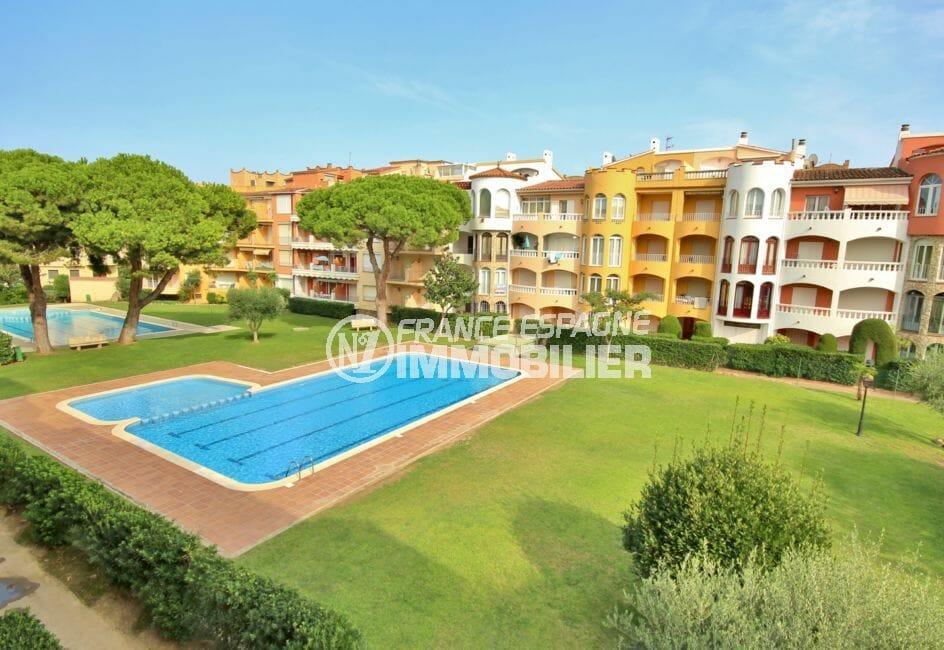 agence immobilière costa brava: appartement 42 m², piscine communautaire et de ses extérieurs