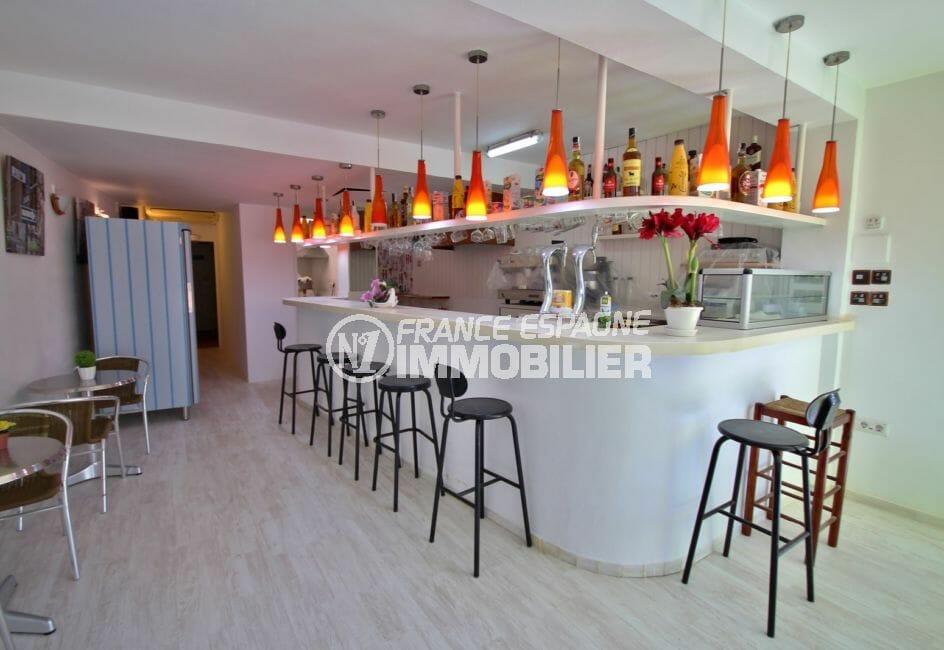 agence immo empuriabrava: commerce bar / restaurant avec terrasse véranda