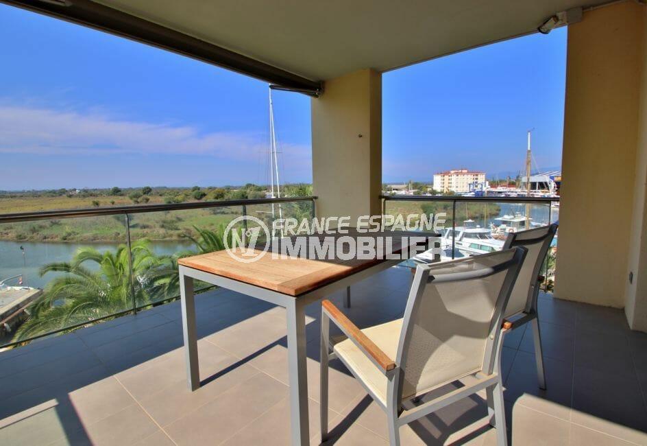 appartement a vendre rosas, piscine, terrasse de 18 m² avec vue canal et parc naturel