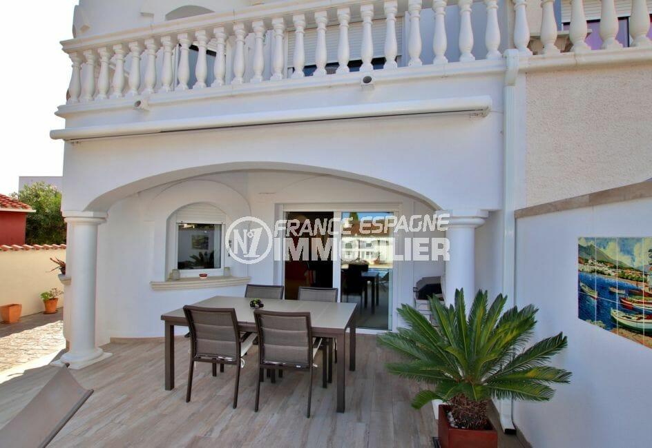 maison empuriabrava, piscine, piscine, terrasse avec coin repas accès salon / séjour