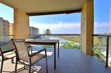 vente appartement rosas, parking, terrasse coin détente avec jolie vue canal et parc naturel