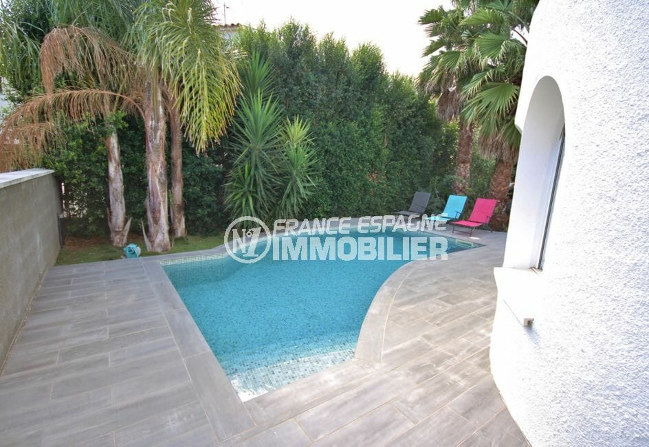 agences immobilières empuriabrava: villa 123 m², terrain de 188 m² avec piscine  7 m x 3 m