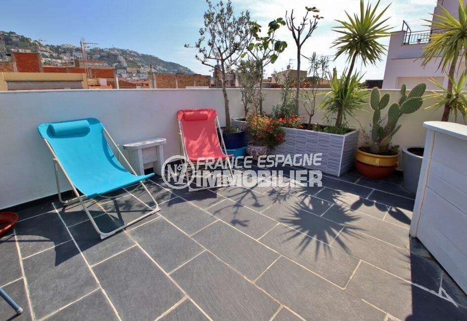 immobilier espagne rosas: villa 109 m², terrasse solarium de 35 m² coin détente