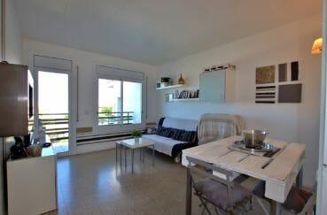 appartement a vendre a rosas, piscine, salon / séjour avec accès terrasse vue mer